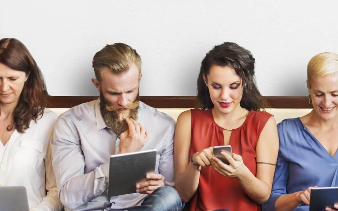 Elégedettebbek lehetnek a munkavállalók, ha önkiszolgáló webes HR szoftvert kapnak?